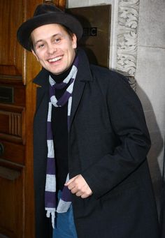 Mark Owen Photos - Britain's favorite boy band 'Take That' are pictured arriving at the Radio One studios to be interviewed on the Chris Moyles Breakfast show. - Take That Arriving At The Radio One Studios Howard Donald, Jason Orange, Mark Owen, Gary Barlow, Robbie Williams, My Boys, Sexy Men, Youtube, Suit Jacket