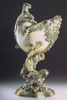 Декоративно-прикладное искусство, от decoro - украшаю: Nautilus Cups