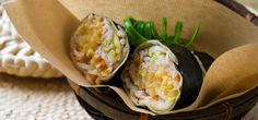 This vegtable-packed wrap is perfect for a meal on the go, full of flavor and great for lunch or dinner! Ayurvedic Recipes, Juice Smoothie, Smoothies, Marinated Tofu, Health Dinner, Looks Yummy, Grilled Chicken, Fresh Rolls, Lunch