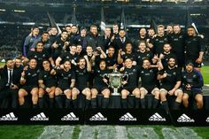 50 All Blacks New Zealand Rugby Team Art Poster All Blacks Rugby Team, Nz All Blacks, Rugby Sport, World Cup Champions, We Are The Champions, 2015 Rugby World Cup, Rugby Championship, Rugby Games, V Australia