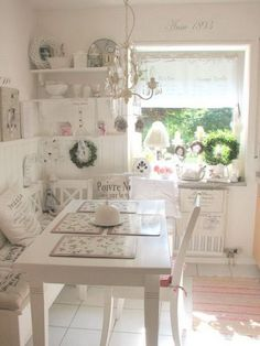 Shabby chic eat-in kitchen or dining area. #cottagekitchen