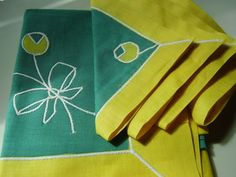 SALE Vintage 1950s, 60s Square Teal and Yellow Tablecloth and 4 Napkins via Etsy
