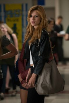 See Bella Thorne Go All Mean Girl On Mae Whitman in the Trailer for 'The Duff'