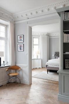 Living Room Hutch, Living Room Decor Set, Home Decor Furniture, Home Decor Items, Manufactured Home Remodel, Classic Home Decor, Interior Decorating, Interior Design, Luxury Homes Interior
