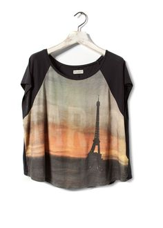 Shop Eiffel Tower Batwing-sleeve T-shirt at ROMWE, discover more fashion styles online. Fall Lookbook, Fashion Prints, Fashion Design, Summer Essentials, Batwing Sleeve, T Shirts For Women, Clothes For Women, Fashion Outfits, Shopping