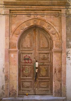 https://flic.kr/p/9vB16s   Old italian colonial door in Tripoli - Libya   © Eric Lafforgue  www.ericlafforgue.com