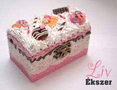 Decoden jewellery box with whipped cream and sweets