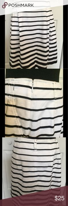 "White House Black Market Skirt Beautiful black and white striped skirt with pockets and lining by White House Black Market.  A timeless piece for your wardrobe!  Length from waistband to bottom of skirt is 20"".  Free of stains, pilling and tears/holes per careful inspection.  Smoke-free home. White House Black Market Skirts Midi"