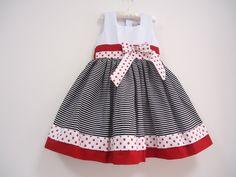 Vestido Infantil.  Veste: 3/4 Anos  Cintura: 56 cm  Comprimento(Ombro até a Barra) : 59 cm