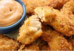Cette délicieuse recette de croquettes de poulet maison (dans la friteuse ou au four) vous enlèvera l'envie de sortir les croquettes surgelées! Tellement meilleur et facile à faire.