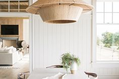 The Pros From Benjamin Moore Answer All Your Paint Questions Best Neutral Paint Colors, Yellow Paint Colors, Calming Colors, Best Interior Paint, Interior Paint Colors, Interior Ceiling Design, Kitchen Paint Colors, Room Paint, Decoration