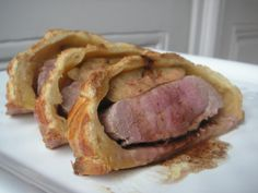 Canard Magret in Croute und Foie Gras - a table! Foie Gras, Parfait, Food Porn, Duck Recipes, French Food, Pork, Cooking, Mets Vins, Poultry Food