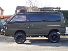 Delica Side on