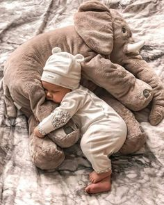 ♡ Kids & Baby Inspiration♡ on We Heart It Cute Little Baby, Baby Kind, Little Babies, Foto Baby, Cute Baby Pictures, Cute Baby Clothes, Funny Clothes, Funny Babies, Cute Babies Newborn