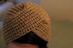 ReRae: Knit Turban Tutorial Could convert to crochet step-by-step Crochet Turban, Crochet Cap, Knitted Headband, Knitted Hats, Loom Knitting, Hand Knitting, Turban Tutorial, Knitting Patterns, Crochet Patterns