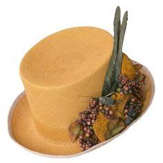 La chistera es el sombrero it de la bodas. Ficha nuestro manual de uso beauty para este accesorio y brilla como invitada.