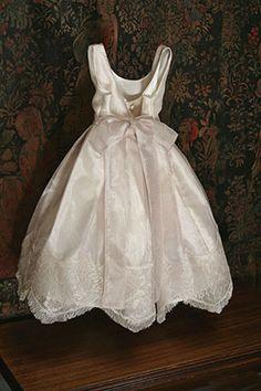 Isabel Garreton - Chantilly, $203.00 (http://isabelgarreton.com/special-occasion/chantilly/)