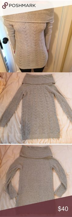 NWOT Vince Camuto Off the Shoulder Sweater😍 Classic and classy off the shoulder sweater. Never worn! Comfy and also trendy. Looks amazing with jeans, or tucked into a skirt. Long line so can be worn with leggings. Very flattering. Perfect for autumn and winter months! Can be dressed up for a dinner party/work or just casually. I am moving abroad which is why I am selling basically my whole closet! 😊 Check out my like new boots, shoes, bags and clothes! Vince Camuto Sweaters Cowl…