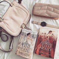 """CHRISTINE ANNE COLMAN az Instagramon: """"Amikor a könyvmolyság keveredik a púderrózsaszín imádattal.❤️🎀🎒 . Nem tudom, hogy mondtam-e már, de imádom a púderrózsaszínt.😍 Ilyen a…"""" Bookstagram, Marvel, Bags, Instagram, Handbags, Bag, Totes, Hand Bags"""