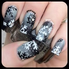 Xmas nail art, holiday nail art, xmas nails, winter nail art, get nails Nail Art Noel, Snowflake Nail Art, Holiday Nail Art, Xmas Nails, Winter Nail Art, Christmas Nail Art, Winter Nails, White Snowflake, Black Christmas