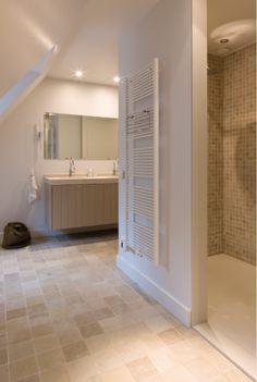 impermo, goedkope tegels, natuursteen mozaïek in travertin, moderne badkamer met inloopdouche