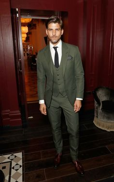 Johannes Huebl attends the GQ Dinner co-hosted by Loyle Carner during London Fashion Week Men's June 2018 at the The Principal London on June 2018 in London, England. Get premium, high resolution news photos at Getty Images Blazer Outfits Men, Stylish Mens Outfits, Green Wedding Suit, Wedding Suits, Dress Suits For Men, Men Dress, Mens Fashion Suits, Mens Suits, Men Wedding Fashion