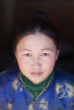 Mongolian woman, Gobi desert, Omnogov aimag, Mongolia