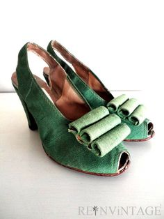 Oh these are too vintage--they are LETTUCE WRAP 1940s green heels. Imagine your size 6 feet lettuce wrapped in these!
