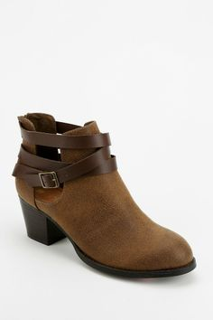 Dolcetta Cutout Boot - Urban Outfitters