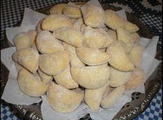 Receita de Pastelzinhos de Nata com Goiabada - 500g de nata, Farinha de trigo até dar ponto de enrolar