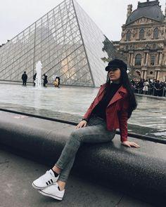"If the Tour Eiffel is the symbol of Paris, the Cathédrale de Notre-Dame de Paris is its heart. Sitting on the banks of the Seine, this magnificent architectural masterpiece is a certain ""must-see"". Paris Pictures, Paris Photos, Travel Pictures, Paris Photography, Tumblr Photography, Paris Tumblr, Hotel Des Invalides, Triomphe, Champs Elysees"