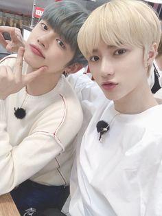 Yeonjun and Beomgyu Korean Boy Bands, South Korean Boy Band, K Pop, American Hamburger, American Burgers, Fandom, Photos, Pictures, Pop Group