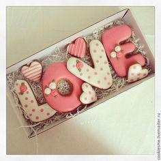 Chocolate valentine cookies sugar new ideas Valentine's Day Sugar Cookies, Fancy Cookies, Iced Cookies, Cute Cookies, Cookies Et Biscuits, Cupcake Cookies, Royal Icing Cookies, Summer Cookies, Heart Cookies
