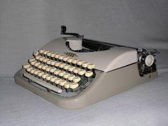 Mechanische Reiseschreibmaschine Voss Privat mechanical typewriter