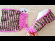 New design knit ladies booties model Knitting Socks Baby Knitting Patterns, Crochet Patterns, Knitting Socks, Free Knitting, Knitting Needles, Crochet Stitches, Knit Crochet, Artisanats Denim, Crochet Hooded Scarf