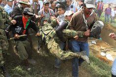 Colombia: Continúa el drama de los indígenas de convivir con las fuerzas del orden y las FARC