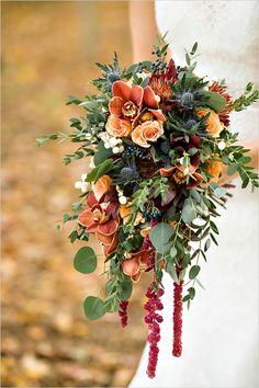 Ramo de novia de rosas, orquídeas, amarantho y eucalipto :: Copper inspired wedding bouquet by prestige floral studio