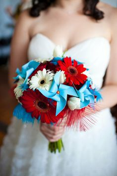 Gerbera Daisy + Pinwheel #WeddingBouquet I Birds of a Feather Events I #uniqueweddings #daisies