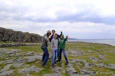 """Cliffs of Moher 1 of 10 most beautiful places in Ireland! / Pomykamy nad oceanem ku Cliffs of Moher, jednego z 10 najpiękniejszych zakątków Irlandii! Kliknij 'Odwiedź"""" i poznaj inne nasze ulubione miejsca w Irlandii! #cliffsofmoher #irland #family #thebestofirland #pomykamy"""
