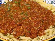Classic penne bolognese from the chef at Patsy's Pasta Recipes, Dessert Recipes, Skillet Lasagna, Great Recipes, Favorite Recipes, Italian Party, Bolognese, Penne, Macaroni And Cheese