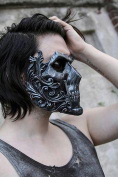 The knight (resin full-face skull mask) fashion in 2019 маск Creepy Masks, Look Dark, Skull Mask, Masks Art, Mask Making, Headgear, Mask Design, Knight, Cool Stuff