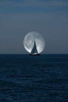 Super Moon by Bülent Binici, sailboat. At first glance it looks like someone has cut a slice of moon & eaten it ! PS they haven't really.