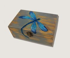 Caja Libélula. Pintada a mano.Caja de madera. por GaleriaArlette no disponible
