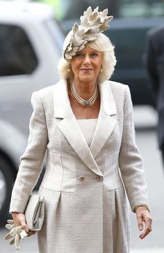 Camilla, Duchess of Cornwall attends the Commonwealth Observance Service at Westminster Abbey on March 2014 in London, England. Get premium, high resolution news photos at Getty Images Camilla Duchess Of Cornwall, Royal Uk, Camilla Parker Bowles, Hm The Queen, Royal Colors, Beautiful Old Woman, Royal Clothing, Royal Fashion, Style Fashion