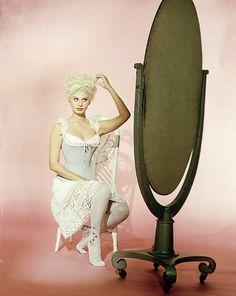Sophia Loren in Heller in Pink Tights (1960)