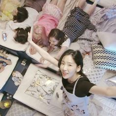 Girls'Generation SNSD - V Live Broadcast
