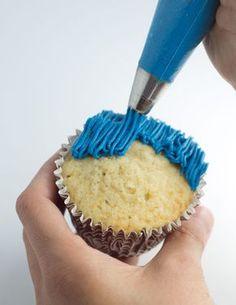 {TUTORIAL} Sesame Street - Cookie Monster cupcakes -- step by step