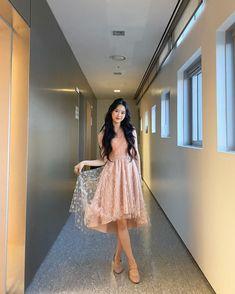 Oh My Girl Jiho, Pin Pics, Girl Photos, Kpop Girls, Asian Beauty, Girl Group, Tulle, Ballet Skirt, Female