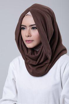 Choco Hijab Fashion, Lacoste, Shawl, Hoodie, Shopping, Ann, Cowl Neck Hoodie, Hijab Fashion Style, Parka
