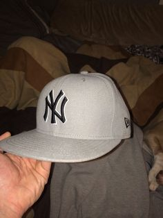 de9674c769d Brand New Fitted New York  Yankees  Baseball Hat Men s Size 6 7 8 New Era  from  0.99